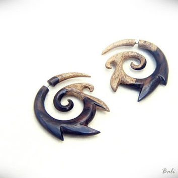 Fake Gauge Earring, Multi Color Gradation Spiral Earring Sono Wood, Faux Gauge Tribal Carving W062-1