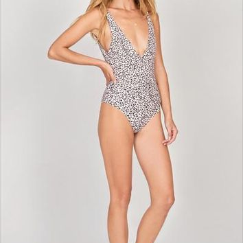 Amuse Livia One Piece