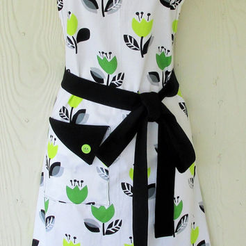 Floral Apron, Green and Black, Women's Retro Style Apron, Full Apron, KitschNStyle