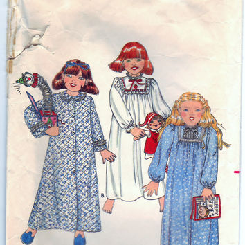 Butterick 4100 Sewing Craft Supply Pattern Toddlers Robe And Nightgown