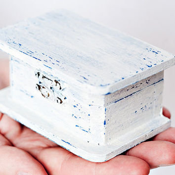 "Hand painted shabby chic wooden box ""Seaside Wedding"" - Blue and white rustic style wedding decoration, natural wood, vintage style"