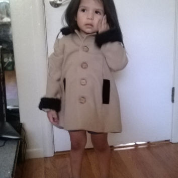Wool Coat With Fur Collar And Velvet Trimed Pockets
