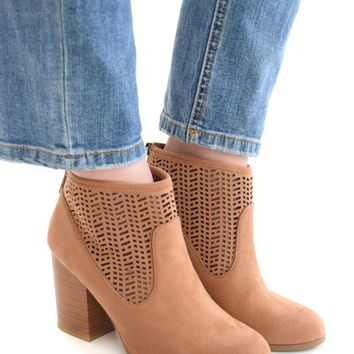 Walk My Way Bootie In Chestnut