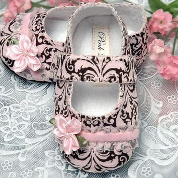 Pink2Blue's Emma Baby Shoe /slipper/bootie 036 months by pink2blue