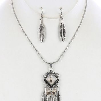 Native Indian Inspired Dreamcatcher  Aged Finish  Feather Fringe Textured Necklace Earring Set