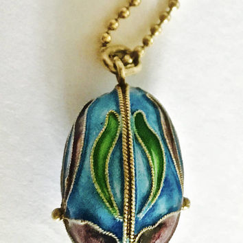 """Vintage Sterling Cloisonné Egg Pendant with Iris Flower Design and 18"""" Gold Washed Sterling Ball Chain"""
