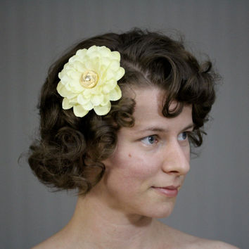 "Pale Yellow Flower Clip, Hair Accessory, Dahlia Fascinator, Light Yellow Floral Hair Clip, Spring Wedding - ""Iced Sunshine"""