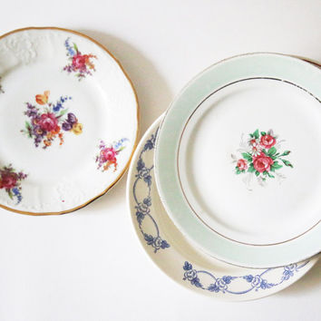 Lot of porcelain dessert plates mismatched vintage old patterns for holiday table / christmas / new year