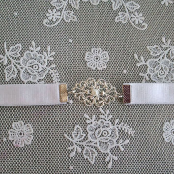 Bridal Belt With Silver Plated Or Gold Plated Buckle And Pearl - Vintage Style - Wedding Silver Belt - White Belt - White Elastic Belt