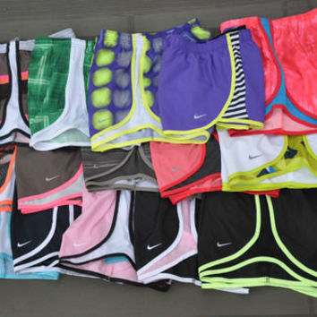 NIKE WOMEN'S SHORTS TEMPO 455702 716453 504598 NWT WHITE BLACK BROWN PINK NEW