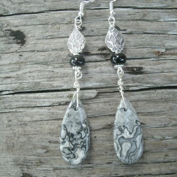 Crazy Lace Teardrop Agate Earrings, dangle earrings, silver toned diamond textured bead, silver plated french wires, black, white, grey lace