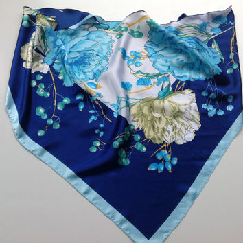 Blue Floral scarf, Gift for Boss, Chemo Cover up, Birthday Gift for Mother, Hawaiin Flowers Scarf, Chemo Scarf, Sky Blue Neckerchief