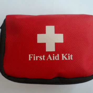 Trendy First Aid Kit Traveler's Emergency Bag Home Car Outdoor 3C1