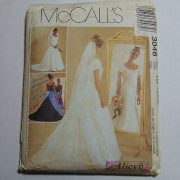 McCall's Sewing Pattern 3046 Misses/Miss Petite Bridal Gown and Bridesmaid Dress