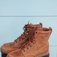 1990s. brown leather lace up boots by Timberland. size 7.5-8