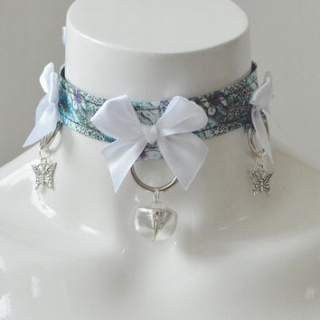 Kitten play collar - Jungle lilly - ddlg princess adult cute bdsm proof choker with bell -  black white and blue violet