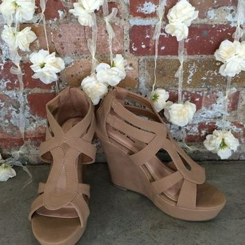 Emmie Wedge (Tan)