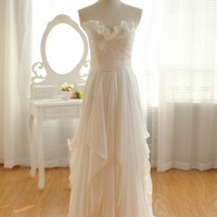 Elegant and simple white floor-length prom dress/evening dress