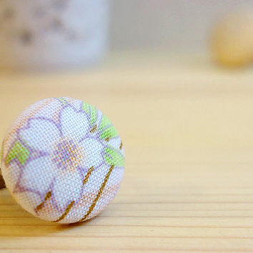 Sakura Ring, Japanese cherry blossom pale pink and white cotton, covered button antique gold adjustable ring - MANGETSU -