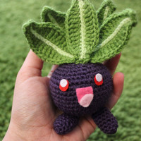 Oddish Pokemon Amigurumi Cute Chibi Kawaii Mini Crochet Doll Nintendo Anime Plushie Geeky Toy (Optional Pokeball or Keychain Accessory)