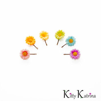 Pastel Rainbow Flower Hair Pin Set, Flower Bobby Pin, Daisy Hair Pin, Daisy Bobby Pin, Kawaii Hair Accessories, Pride Accessories, Rave Wear