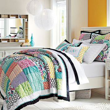 Beadboard Graphic Flower Patch Bedroom