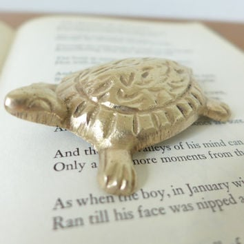 Small brass turtle, turtle tchotchke
