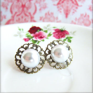 Pearl Earrings Studs The Great Gatsby Wedding Bridesmaid Pearl Post Earrings Vintage Inspired Lace Filigree Bridal White Pearl Studs