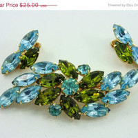 20% OFF - HUGE SALE Sparkly Aqua Blue, Green Rhinestone Brooch & Earrings, Juliana Style, crystals, Superb Jewelry Fashion