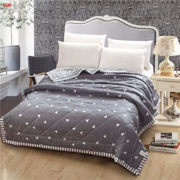 Gray Geometric Soft Summer Comforter