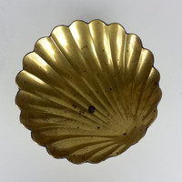 Mid Century Brass Clamshell Footed Dish, Vintage Brass Clamshell Catchall Dish, Vintage Brass Ashtray, Nautical Theme Decor, Mermaid Decor