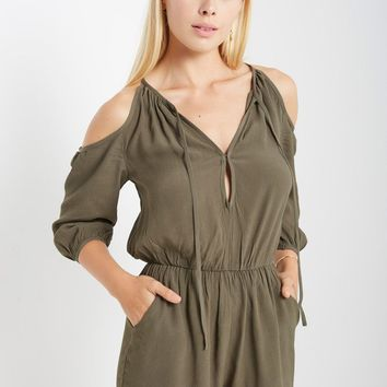 Soft Focus Open Shoulder 3/4 Sleeved Romper