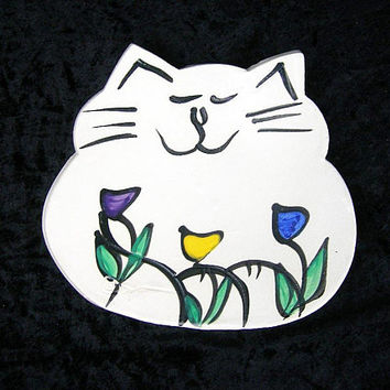 Vintage Pottery White Cat Plate, Handmade and painted with Flowers, Thick Clay Slab, Slight Bowl Shape, Cat Dish, Trinket Dish, Cat Lover