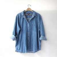 20% OFF SALE / vintage jean shirt. oversized denim shirt. Lands End button down shirt. denim pocket shirt.