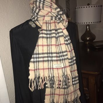 BURBERRY Cashmere and Wool Ruched Check House Fringe Scarf