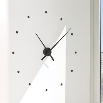 OJ Wall Clock by Jose María Reina & Mario Ruiz | Generate Design