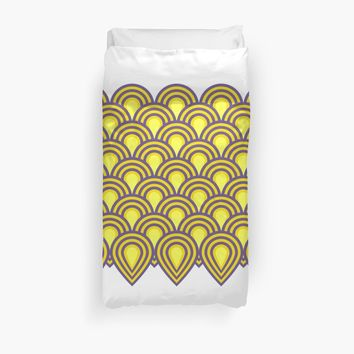 'retro sixties inspired fan pattern in yellow and violet' Duvet Cover by VrijFormaat