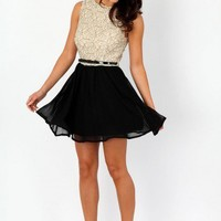 Missguided - Lilyana Contrast Lace Body Belted Skater Dress