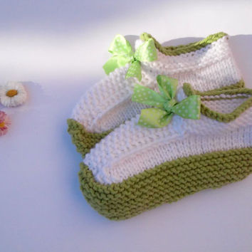 Knitting Slippers/ Womens Slippers Socks/ Handmade Slippers/ Warm Slippers/ Teen Slippers/ Green Slippers