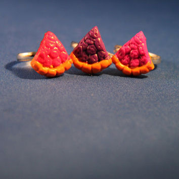 Handmade Polymer Pie Ring, kawaii cookie jewelry, miniature dessert jewelry, realistic food jewelry,
