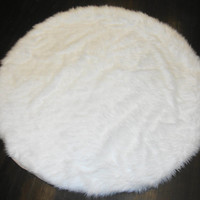 6' Diameter White Round Area Rug / Plush Faux Fur / Fake Shaggy Sheepskin Throw Rug /