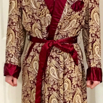 Smoking Jacket Burgundy with White and Yellow Paisley Design, silky burgundy lining, Collar, Cuffs, Belt  // circa 1940 // Size Medium