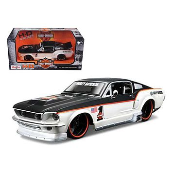 1967 Ford Mustang GT 1 Harley Davidson 1:24 Diecast Model Car by Maisto