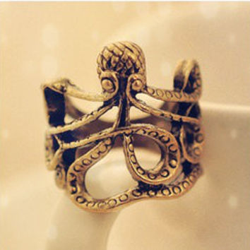 Vintage style octopus golden ring