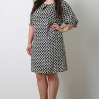 Women's Contemporary Print Shift Dress in Plus Sizes