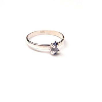 Bicolor sapphire crystal ring in sterling silver - engagement ring, ethically sourced white and blue raw sapphire