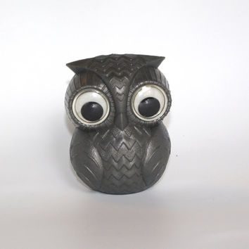 Cute Soviet Grey Owl Toy / Collectible Plastic Gray owl, Bath Toy / Goggly Eyed /Russian Vintage Kitch Marine Toddler Toy/ Plastic toy/ USSR
