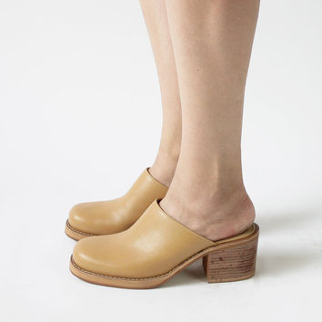 Vintage 90s Tan Slip On Mules with Thick Heel | 7