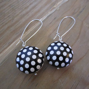 Black and White Polka dots earrings. Black and white. Long Drop Earrings. Metal Finding Black and White