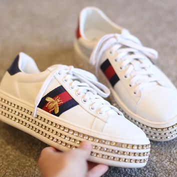 Gucci New water drill little bee embroidered  shoes